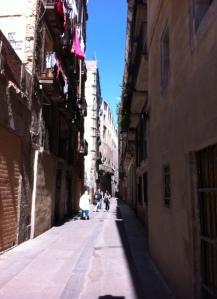 Calle Arco Del Teatro - 'more than a scar than a street'