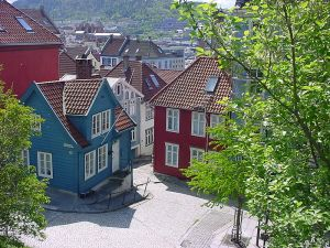 A more pretty side to Nordnes - image courtesy of Wikipedia