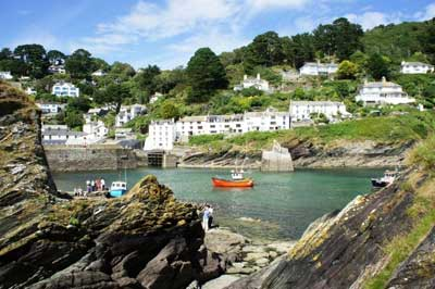 Polperro harbour - (c) Monika Kludka and Visit Cornwall